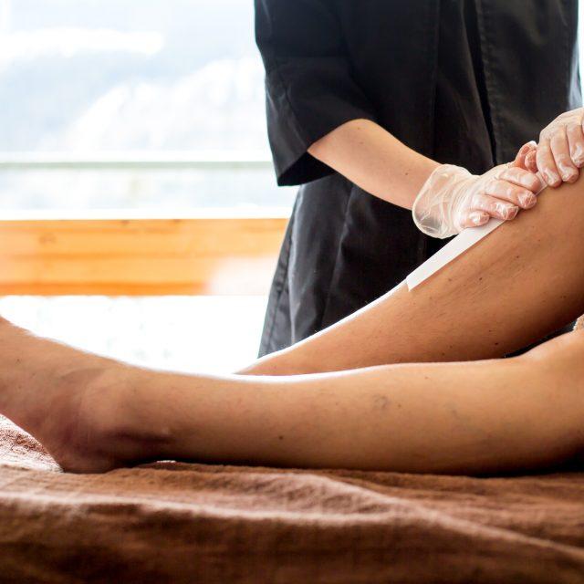 Vaxning hela ben inkl bikinilinje